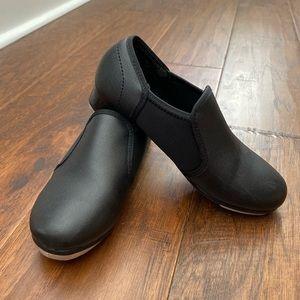Children's size 12 tap shoes